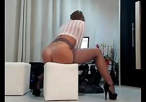 9050117 milf cam with regard to an remarkable body 480p-Обрезка 01