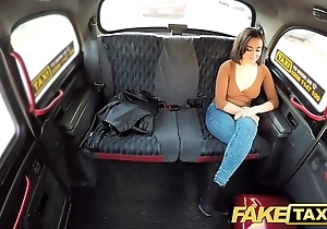Feign taxi squirting screaming sexy cookie taxi orgasms