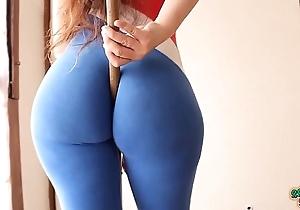 Beamy booty! tiny waist! explosive combination! free and easy latina!