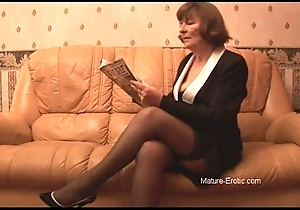 Hairy granny about nylons plays nigh panties then strips