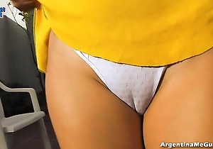 A-one stunning ass, legs, soul increased by cameltoe, boucing her body!