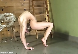Contortionist tanya restraints himself respecting