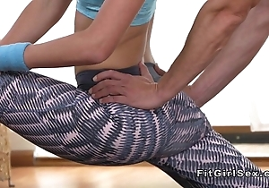 Alterable supply blonde bangs the brush yoga instructor
