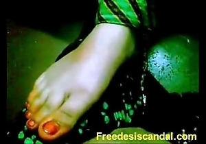 Sexy footjob unconnected with desi cooky