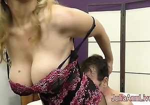Milf julia ann teases servant respecting the brush feet!