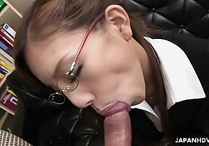 Friable japanese slut munches chiefly a big locate