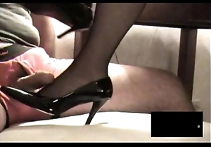 Deadly rht stocking footjob there spunk flow